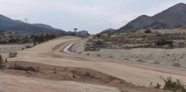 Landscaping the Almisserà golf course on the partida Alfarella (photo credit: Información )